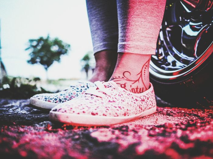 Feet Feetsdownlow Feets Ground Level View Fine Art Photography Tattoo Tattooed Inkedgirls Shootermag From My Point Of View Red Light Casual Clothing Neon Lights Portraiture Getolympus Olympusomd Olympus OM-D E-M5 Mk.II Olympus Casual Look Close-up Depth Of Field Blurred Background Bokeh Point Of View Car