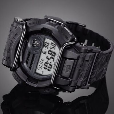 And I fell in love again... ❤️G-Shock HUF X GD400, coming this May 2015... BlackBeauty Gshock_Lover