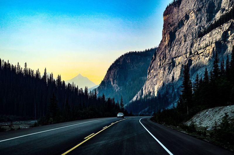 Road Transportation Mountain The Way Forward Beauty In Nature Mountain Range Scenics - Nature Tranquil Scene Dividing Line No People