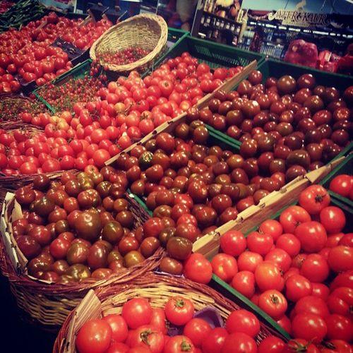 Red Colors Tomatoes Market bazaar shopping mall instagram igers instamood instagood instahub instafun jj jj_forum igersturkey