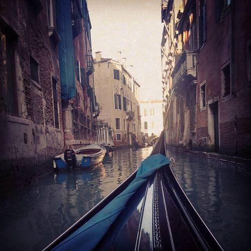 Gondola through Venice 🚣 Adventure Club