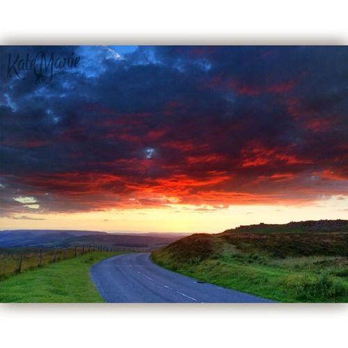 K8marieuk Katemariephotographyuk Sunset Stanageedge Stanage Iphone5s Prohdr Squareadypro PeakDistrict Landscapes Photooftheday Photogeeks Sun Iwatermark
