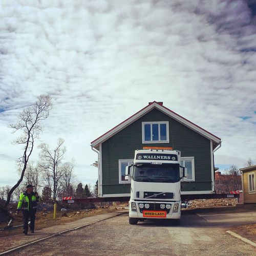 Kiruna Ortdrivaren Documentary Documentaryphotography Kiruna Documentary Film Built Structure Transportation Cloud - Sky Outdoors Day Architecture Real People Building Exterior Tree One Person People