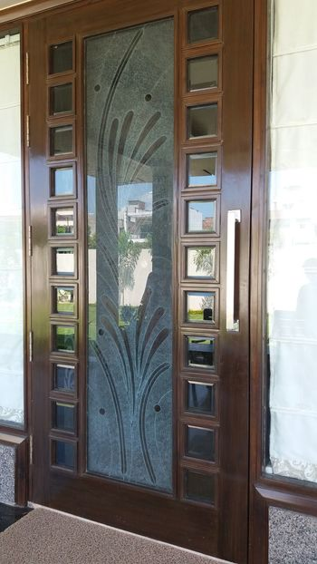 Front picture of door in my house DoorsAndWindowsProject Built Structure Architecture Window Apartment City Life Day Glass - Material Building Exterior City Hanging Out Nature Photography Check This Out That's Me First Eyeem Photo Bestshots Taking Photos Hello World