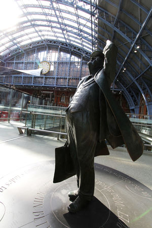 England Holiday King's Cross, St Pancras International London Statue Train Train Station Traveling Vacation