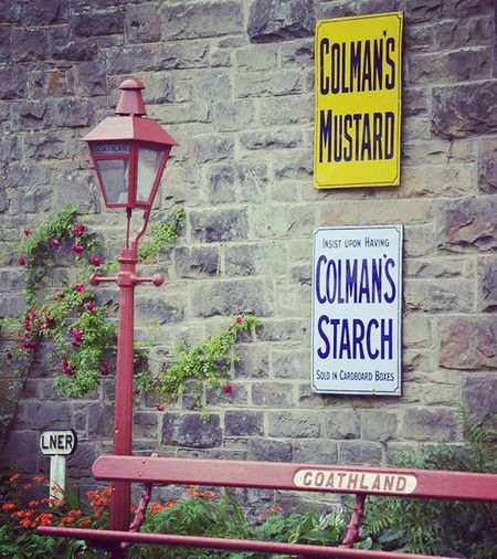 Yesteryear Light Lamppost Bench Goathland Signs Sign Northyorkshiremoorsrailway