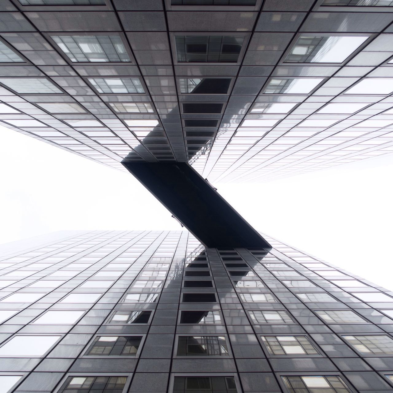 LOW ANGLE VIEW OF TALL BUILDING