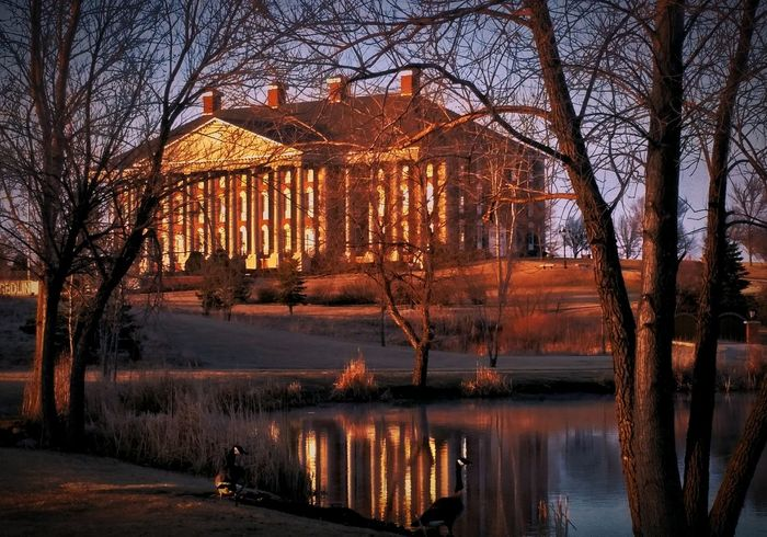 Redlin Art Center Scenic Scenic View Scenic Landscapes Building Exterior Collumns Pond Pond Life Geese