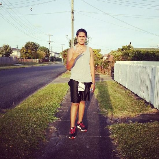Man im so fricken tired after my run hahahah man runing by yourself stinks haha who lives in mangere and wants to go for a run tommorrow?? Feelgood Runing Mangere 275 tired