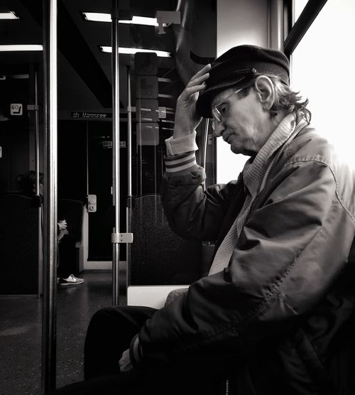 "Join me in ""Street Photography 2015"", Photo District News and Acuity Press' new photo competition! Check out the link http://sp2015.photos/_kickin for more info! Enter 5 of your favorite street photos (all formats accepted) to have your work see by a panel of distinguished judges including Colin Westerbeck, Daniel Arnold and Eric Kim. 20 finalists' photos will be published in the book ""Street Photography 2015"" by Acuity Press! #acuitypress #streetphotography2015 #PDN #spon Streetphotography Berlin My Fuckin Berlin Mpro Blackandwhite Mobilephotography.de Shades Of Grey"