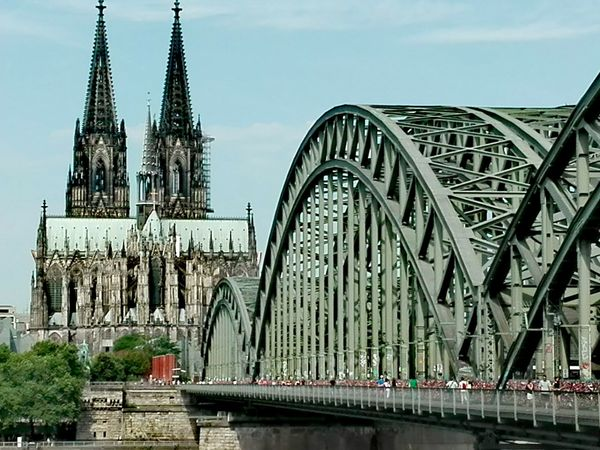 Dom und Hohenzollernbrücke Schälsick Travel Destinations City Cologne, Germany Germany🇩🇪 Köln Cologne Dom Kölner Dom Cathedral Kölner Dom Hohenzollernbrücke Bridge The Week On EyeEm Boat #urbanana: The Urban Playground