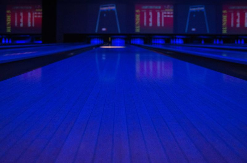 Leading Lines Copy Space Blue Blue Light Bowling Bowling Alley Night Nightphotography Learn & Shoot: Leading Lines Colour Of Life Color Palette