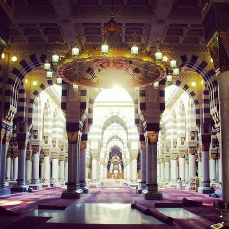 Islam Islamic Travel Quran Mosque Interior Design Islamic Architecture Islamicalligraphy Columns Column Masjidil Nabawi Al Munawarah Prophet Muhammad Light Empty Empty Places Holyplace Holy Place Candles Interior Amazing Interior Decorating Masjed Alrasoul