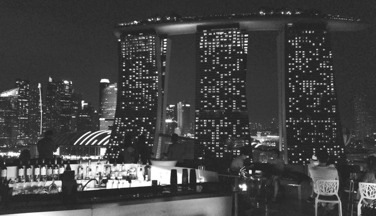 The Photojournalist – 2016 EyeEm Awards The Architect - 2016 EyeEm Awards Singapore Skyscraper Nightphotography Night Lights Night Sky Night View Night City Nightshot Night Time Launch Time Architectural Feature Architecture Architecture_collection Architectural Detail Architecture_bw Architecture - Eye On Detail Bar Lounge Bar Lounge Lounge Area Loungelover Nightfall Black & White