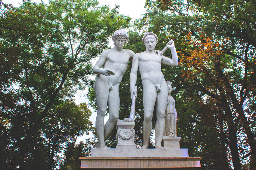 Art And Craft Day Fine Art Statue Human Representation Male Likeness Nature No People Outdoors Sky Statue Tree