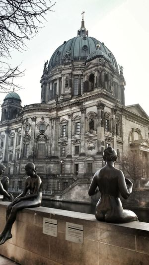 Architecture Dome Travel Destinations Built Structure Building Exterior Statue Tourism History City Façade Sculpture Sky Outdoors No People Day Berlin Berlinstagram Indian Berlincity Postcard Samsungphotography Photographylovers Cityscape Samsungdeutschland Photooftheday