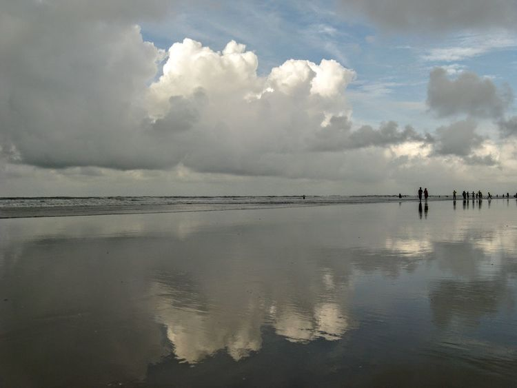 Reflection Cloud - Sky Water Sky Outdoors Day Beach Nature Full Length People Horizon Over Water Beauty In Nature Standing Scenics Digha Digha.westbengal. D