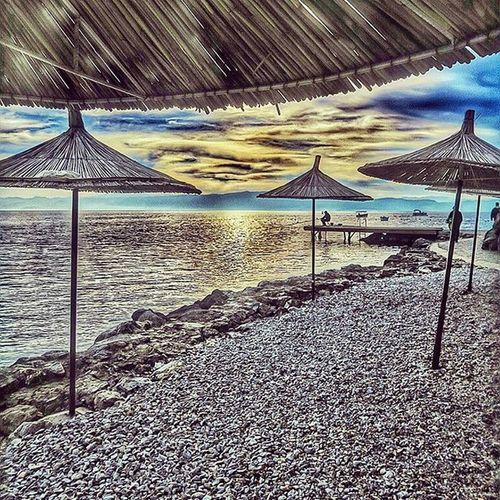 yakındır şemsiyenin altındaki günler 🌞 closer to lay under umbrellas ☺