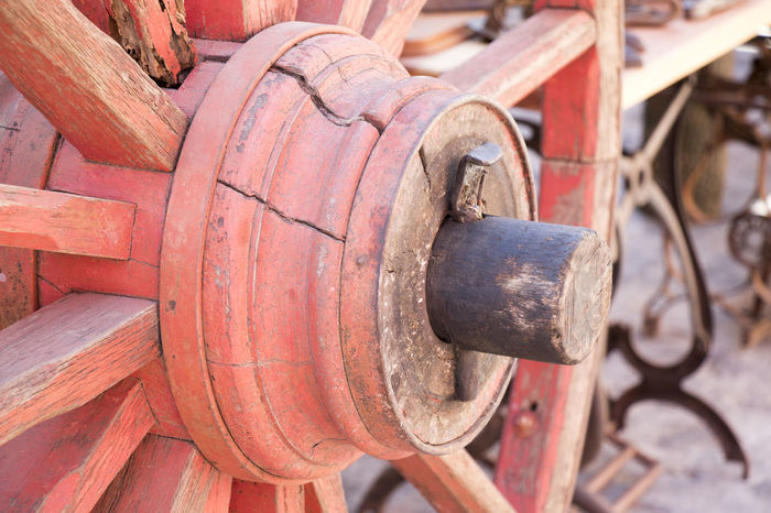 Axis Carriage Close-up Detail Old Transportation Wheel Wood - Material Wooden Wheel