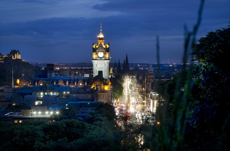 At Night In Edinburgh Edinburgh Edinburgh Castle England & Scotland Eye Em Scotland Scotland EdinburghCastle Light Long Exposure Traveling Seeing The Sights