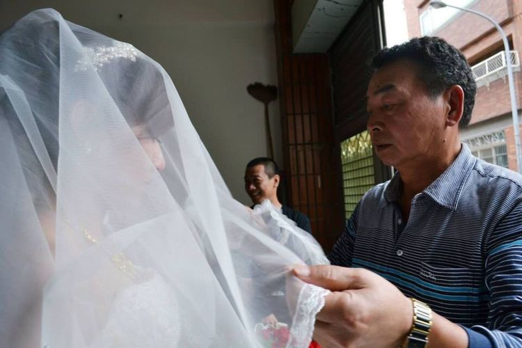 Amelea's Photo Wedding Love Is In The Air Father And Daughter Hard Say Goodbye Leave Chinese Culture
