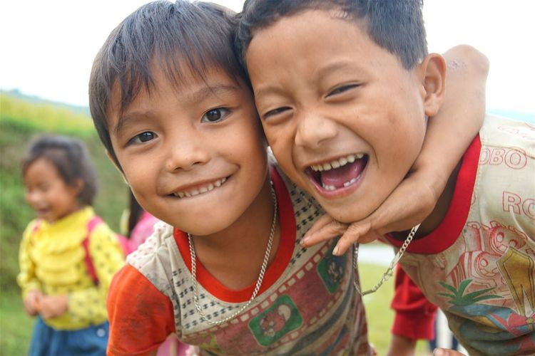 Photos That Will Restore Your Faith In Humanity Playtime Kid Playing Beautiful Kids Kids Having Fun Kids Portrait Kidsphotography Mucangchai Vietnam October2015