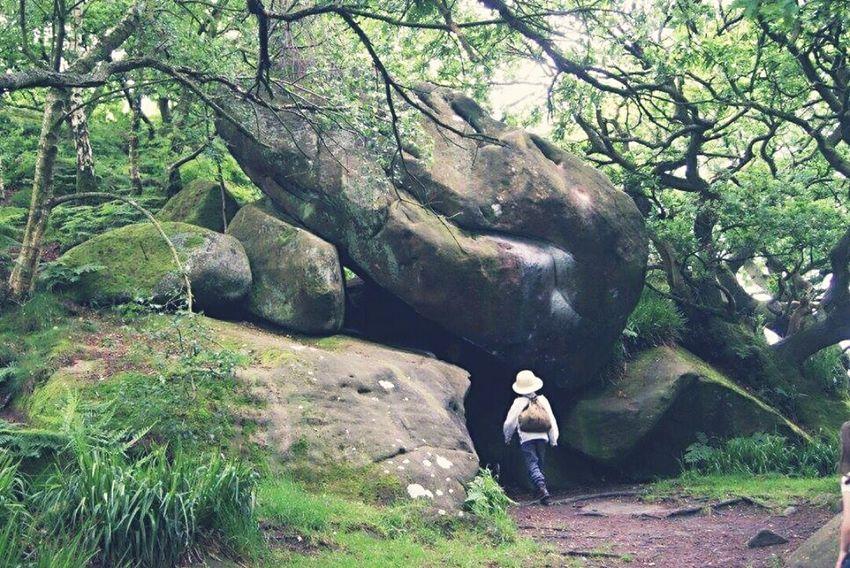RobinHoodsstride PeakDistrict Derbyshire Amazingplaces StrangeRocks Rocks ExploreEverything Hugerocks Go Higher