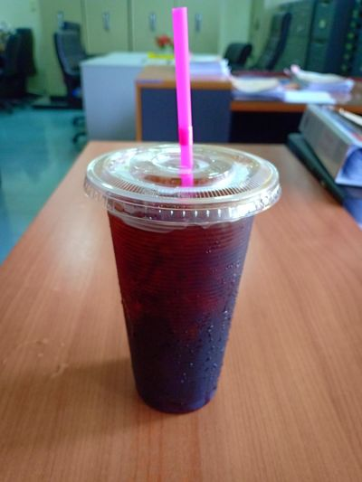 Cool Coffee Black Coffee Office ชาเย็น โอเลี้ยง กาแฟดำ Drink Cold Temperature Cola Drinking Glass Drinking Straw Table Ice Cube Close-up Food And Drink Ice Tea Soda