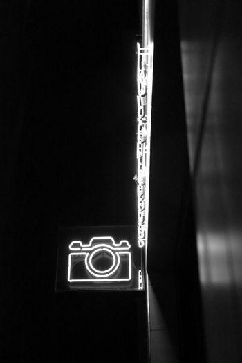 Nightphotography Bnw_collection Bnw_friday_eyeemchallenge Nightview Camera Lightsign Bnwphotography Ilumination Berlin Photography Schwarzweiß Bnw Communication Black Background No People Indoors  Close-up Day
