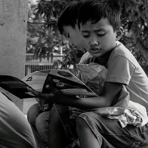 this was taken last weekend during our outreach program, where we gave away groceries, clothes, school supplies and books to the local kids of Botolan, Zambales. Childhood Boys People Outdoors Lifestyles Philippines Photography Eyeem Philippines Botolanzambales 2017 Eyeem Awards Summer Outreachmission Canonphotography Book Photooftheday Candidmoments The Photojournalist - 2017 EyeEm Awards