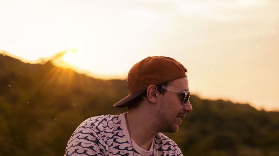 souls Particles Soul Hat Shirt Calm Chill Tres Mountain Forest EyeEm Selects Rural Scene Sunset Summer Sunlight Springtime Headshot Hippie Sun Sky Travel Hiker Countryside Tranquil Scene Calm Tranquility Lakeside