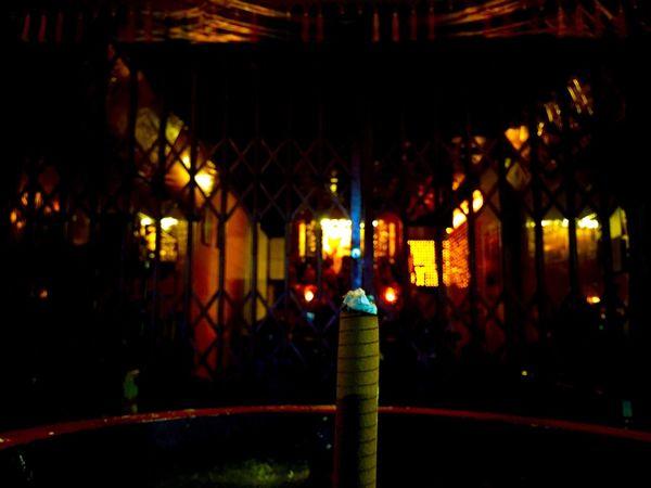これって、線香?通っている鍼灸院で使う Moxa もぐさ 艾 に超絶似ているんだが、やはり…線香なのだよな? Hello World Urban Exploration Streetphotography Ilovetaiwan Hellotaiwan EyeEm Taiwan 台湾 Shrines & Temples Taiwan Style Shrine Temple Taipei Memories Taipei,Taiwan Templephotography Temple Architecture 寺 神社 Pray Praying
