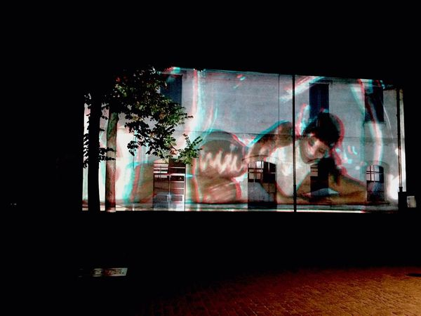 Billy Cowie Attraverso i muri di bruma - 3D 3D Dance Ballett Dancer Video Art Event Installation Video Wall Prada