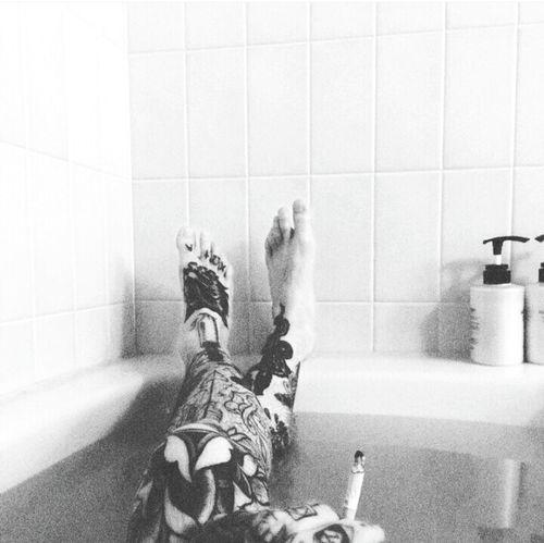 How I Spend My Friday Night  Smoking A Ciggarette Bath Time Relaxing @ Home Blackandwhite Tattoo EyeEm Gallery Legsselfie Smoke Friday Night