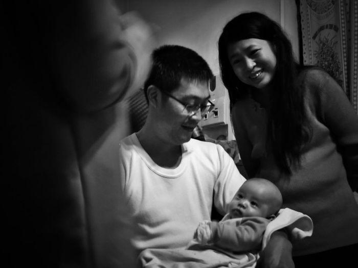 2018/2/17 家族群像 於五股 Family Family❤ Family Time Taiwan Bw Bw_lover BW_photography B&w Photo B&w Bw Photography B&w Photography Bwphotography Togetherness Men Childhood Women Care Child Babyhood Young Family EyeEmNewHere