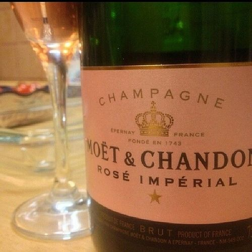 Awesome Moëtchandon RoséImperial Christmas