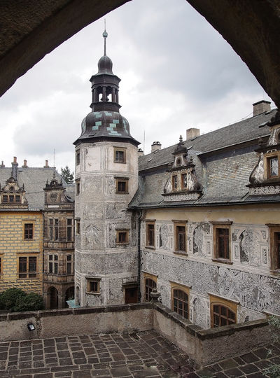 Katarzyna Dziemidowicz Castle Czech Republic Place Of Worship Sightseeing Touring Travel Wall Architecture Building Exterior Built Structure City Courtyard Of The Castle Day Daylight Frescoes Frydlant History Impressive Castle Low Angle View No People Outdoors Palace Sky Spirituality Window