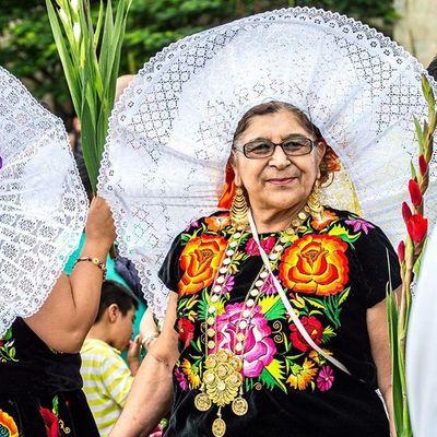 Sonrisas... • OaxacaAPie Mm_gentemaravillosa MexicoColores