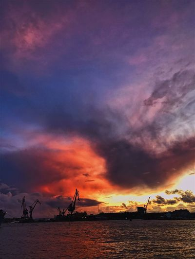Sunset Sky Cloud - Sky Silhouette Dramatic Sky Beauty In Nature Dusk No People Nature Scenics Transportation Outdoors Sea Tranquil Scene Water Waterfront Tranquility Travel Destinations Industry Nautical Vessel Goteborg Gothenburg, Sweden Götaälv