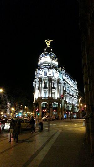 Iconic Madrid Night Bustling Metropolis Edifio Metropolis