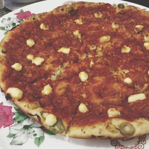 ? بيتزا