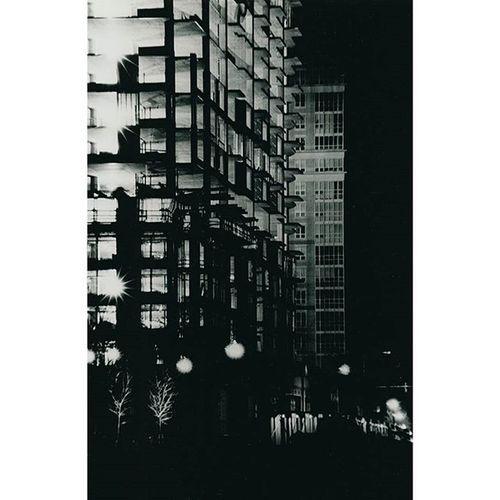 Nightlights Nightphotography Structure Analog Filmisnotdead Kodak Architecture Lensflare Darkroomphotography Filmphotography Aftermidnight Tower Perspective Contrast Scanfromprint Infrastructure Industryneversleeps Cities At Night