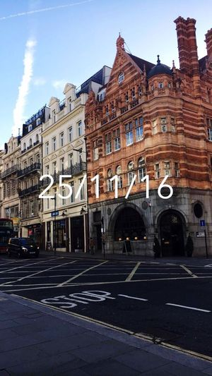 City Street London England Streetphotography House Love