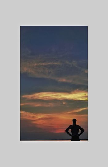 Only Men One Man Only Silhouette Sunset Sky Cloud - Sky Creative Photography CreativePhotographer Photography Themes Beautiful Horizon Over Water Style Of Today  Internationalart Full Length Art Photography Perspectives And Dimensions Artistic Beauty In Nature Men One Person Adult Technology People Outdoors Day