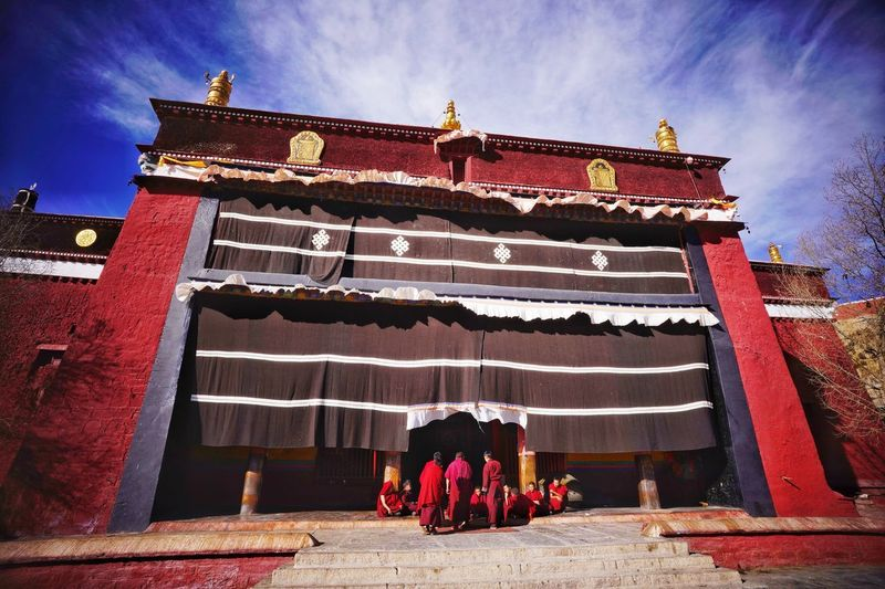 Palcho Monastery, Tibet, China Place Of Worship Prayer Monastery Religion Colorful Red Building Monks China Palcho Monastery Buddhism Tibet Religion Spirituality