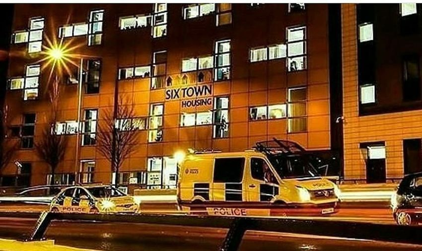 Urban Architecture Night City Built Structure Outdoors EyeEm Selects Lifestyles Looking At Camera Photographylovers Townphotography Town Scape Townhouses Town House Police Cars Police Department