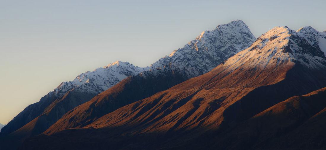 A mountain range in the aoraki/mount cook national park, new zealand
