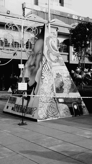 Select Citywalk Pyramid Building Art Taking Photos Decoration Black And White Urban Art Urbanphotography Relaxing Hanging Out