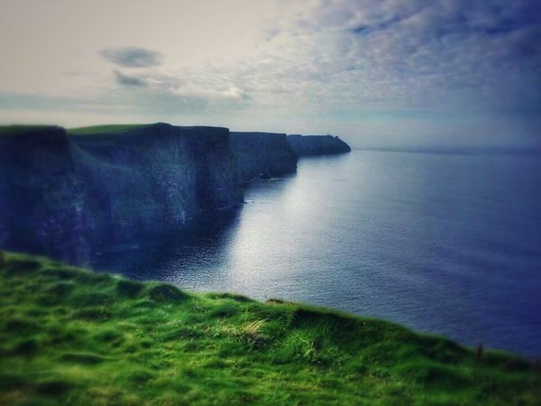 Impressive View Ireland🍀 Cliffs Of Moher  Clouds And Sky Sea And Sky Sea Cliffs Landscape Taking Photos Enjoying Life Enjoying The View Enjoying Nature Nature Photography Nature Landscape_photography From My Point Of View I Love Taking Pictures <3 Colorful View Tadaa Community Freedom This Is Freedome To Me Breathtaking Breathtaking View