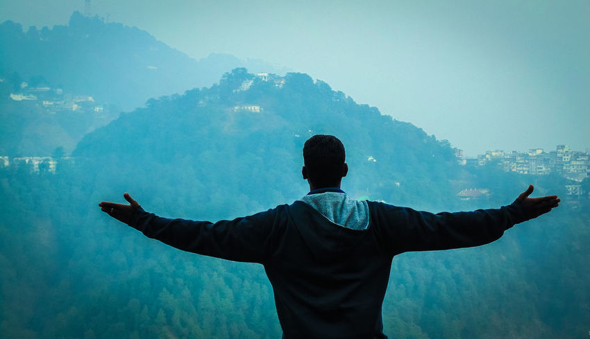 becoming one with the nature... Backgrounds Beauty In Nature Blue Friends India Leisure Activity Lifestyles Men Mountain Mussoorie Nature People Rear View Scenics Silhouette Sky Snow Standing Tadaa Community Three Quarter Length Tranquil Scene Tranquility Uttarakhand Waist Up Winter